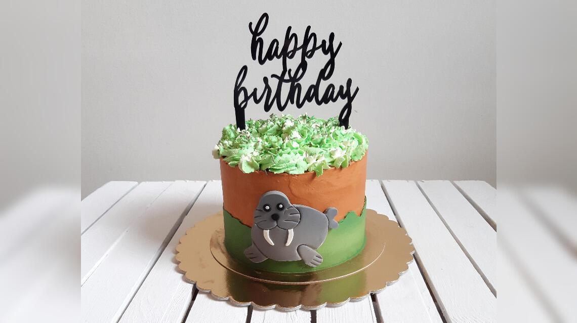 Topper na tort z plexi – na ślub, komunię czy urodziny!