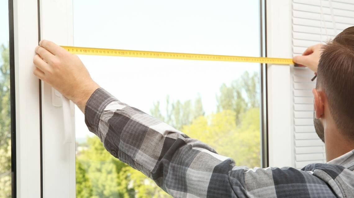 Docieplanie okien za pomocą pleksi – sprawdź, jakie to proste!