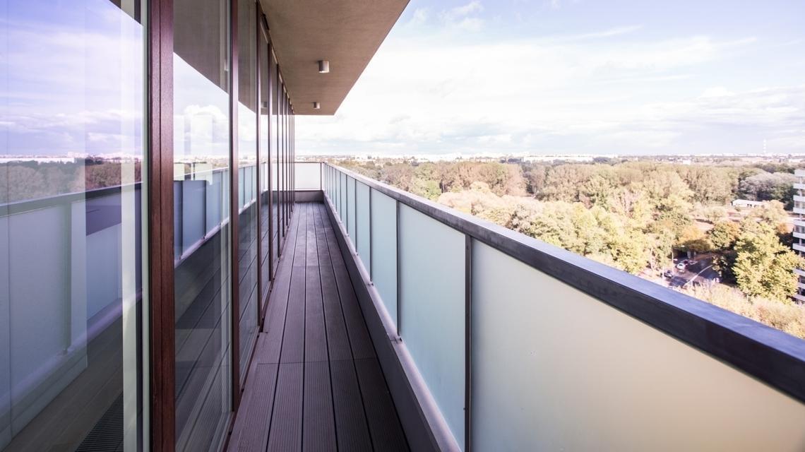 Pleksi na balkon – zadbaj o bezpieczeństwo!
